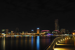 Red (elenaleong) Tags: gbb esplanade marinabay nightscape singapore elenaleong