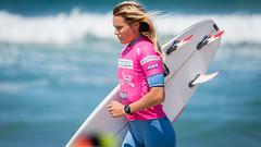 Keely Andrew.....     2016 SupergirlPro (Schoonmaker III) Tags: oceansideca pacificcoast prosurfer supergirlpro surfing wsl womensprosurfing surfboard surfer surfergirl surferchick supergirljam paulmitchellsupergirlpro pink blonde