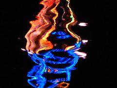 riverface - Reflexion im Main, Michaelismesse in Miltenberg 2016 (zikade) Tags: reflexionen licht farbigeslicht farben gelb orange feuer main miltenberg blau odenwald kirmes volksfest michaelismesse 2016