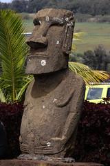Moai en Aeropuerto de Rapa Nui (Pablo O Palmeiro) Tags: rapanui isladepascua chile rapa nui moai