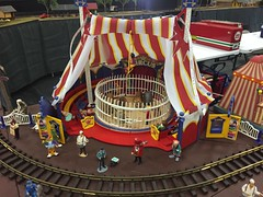 (Chicago Rail Head) Tags: bigtop circustents clowns barker foodvendors circusacts o27gauge