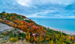 Scarborough Bluffs Fall edition (Rinathq) Tags: fall toronto scarborough landscape sunset clouds longexposure colors nikon d7200 tokina 1116 fall2016 blogto the6ix weather lake cliffside blufferspark