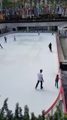 2016-10-19 - Rockefeller Center - Skating rink (zigwaffle) Tags: 2016 nyc newyorkcity manhattan timessquare rockefellercenter saintpatrickscathedral fifthavenue wretchedexcess centralpark video