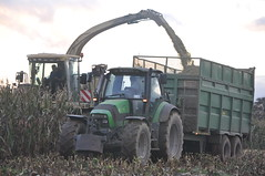 Krone Big X Forage Harvester filling a Thorpe Silage Trailer drawn by a Deutz Fahr Agrotron 150.7 TractorKrone Big X Forage Harvester filling a Thorpe Silage Trailer drawn by a Deutz Fahr Agrotron 150.7 Tractor (Shane Casey CK25) Tags: county autumn winter tractor gr