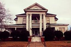 Rundown Mansion (Gerry Dincher) Tags: benson johnstoncounty northcarolina smalltownnorthcarolina smalltown churchstreet mansion rundown decrepit forsale oldhouse december82014 gerrydincher