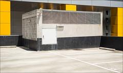 melbourne-8186-ps-w (pw-pix) Tags: grey beige black white yellow concrete building carpark wall rooftop upperlevel empty sun sunny summer flindersst cbd melbourne victoria australia peterwilliams pwpix wwwpwpixstudio pwpixstudio