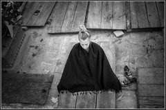 Nepal 3 (Le Papa Tango) Tags: street leica nepal blackandwhite bw noiretblanc meditation boudhism