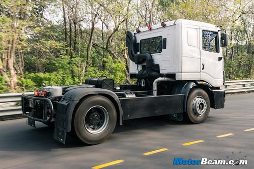 2015-Tata-T1-Prima-Racing-Truck-01