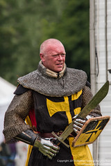 The Yellow Knight (Proper Job Productions) Tags: berkeley fight knights conflict knight swords armour nations skirmish recreationist berkeleyskirmish conflictofnations
