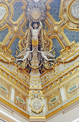 Ornate ceiling corner in the Louvre (Monceau) Tags: musedelouvre louvre paris ornate ceiling corner man angels