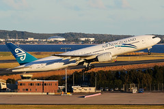 Air New Zealand Boeing 777-219/ERZK-OKG (Mark Harris photography) Tags: spotting aircraft plane aviation canon yssy 5d 777
