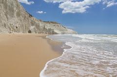 Spiaggia (Salvo Marturana) Tags: italy italia mare porto scala sicily falesia spiaggia dei sicilia paesaggio agrigento turchi realmonte empedocle tamron1750 canon550d