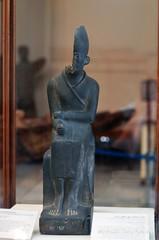 Statue of King Khasekhemwy (konde) Tags: khasekhemwy khasekhem 2nddynasty earlydynastic hierakonpolis statue schist whitecrown hebsed ancient cairomuseum