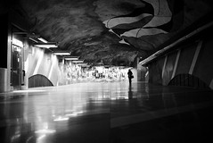 Tunnelbana VI (maekke) Tags: stockholm tunnelbana underground architecture urban streetphotography woman pointofview pov reflection availablelight 2016 sweden bw noiretblanc x100t fujifilm