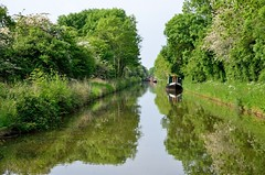 2016 05 28 090 Stratford upon Avon Canal (Mark Baker.) Tags: 2016 baker eu europe mark may avon boat britain british canal day england english european gb great kingdom narrowboat outdoor photo photograph picsmark rural spring stratford uk union united upon warwickshire