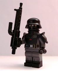 Heavy Weird War Trooper with MG-X8