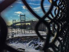 RFK Bridge (jomak14) Tags: newyork fence urbanlandscape wardsislandpark robertfkennedybridge wheremyrunningshoestakeme iphone6plus