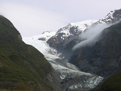 Franz Joseph Glacier in between Mountains