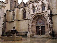 place saint siffrein (obmm) Tags: france canon powershot paca cathédrale provence dpp vaucluse g12 carpentras comtatvenaissin saintsiffrein