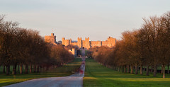 Windsor Castle (peter.guyan) Tags: trees england castle grass eos queen walkway lee polarizer footpath 105mm windosr heliopan nd30 leefilters 5dmkii eos5dmkii bigstopper