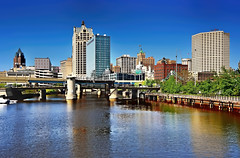 Milwaukee, Wisconsin, U.S.A. (Photographer South Florida) Tags: city urban usa lake building tower beer skyline wisconsin architecture river real office rocks downtown estate skyscrapers michigan structures property brewery milwaukee metropolis residential metropolitan commerical jorgemolina finanical condomiium