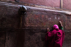 Work or Worship (alan0410photography) Tags: street pink light red india canon hands worship god candid faith prayer culture divine dilemma mathura vrindavan flickrfriday canon600d