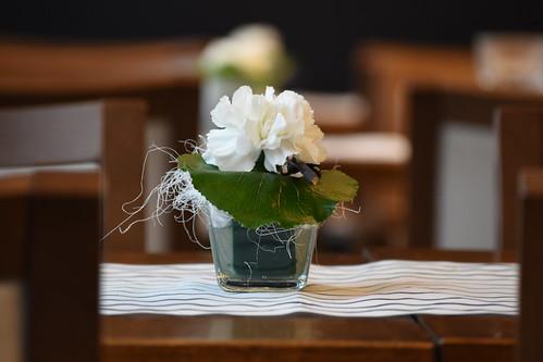Real flowers that look like plastic flowers or vice versa