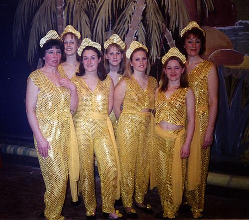 1997 Robinson Crusoe 04 (from left Pauline Milner, Maxine Haigh, Shelley Redgate,x,x,x,Linda Ellis)