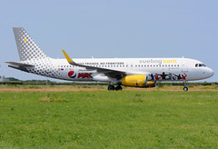 EC-MEQ A320 Vueling (MM - Aviation Photography) Tags: maastricht airbus a320 mst ehbk vueling ecmeq