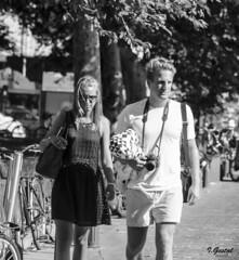 Almas extraas (eibar010) Tags: donosti nikond7000 street streetphoto monochrome blackandwhite blancoynegro nikon d7000 85mm