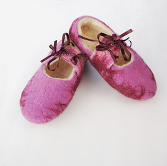 Hand felted wool slippers (38.5) (smoothmetaldesign) Tags: handmade wool felting felted slippers pink