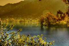 Alba dorata (giannipiras555) Tags: panorama montagne riflessi alberi paesaggio lago idro autunno