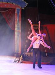 2014_Berlin_Xmas_1409 (SJM_1974) Tags: circus iceskating laurahill pairsskating piereloupbouquet