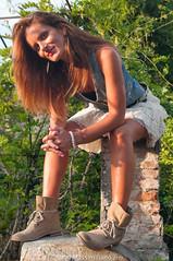 chiara-4331.jpg (massimiliano lugli) Tags: rosa jeans chiara prato bianco nero tacco shotting vestito agostinelli stivaletto tavolaia