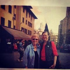 สาร์น จากเพื่อนแดนไกล ทุกปีจะได้รับจดหมายจากเธอ คุณครูที่สอนภาษาอังกฤษสมัยไปเหยียบ #USA ใหม่ๆ เกือบ30ปีมาแล้ว นี่คือความสม่ำเสมอของเธอ Sally  แค่เรานำความสม่ำเสมอมาเป็นวินัยในการทำงานของเรา อยู่ที่ไหนก็ทำงานได้...ทำเวลาใหนก็ได้ -----------------------