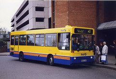 BerksBucks-220-N820FLW-Staines-090499b (Michael Wadman) Tags: staines beeline dennisdart centrewest dp20 londonbuslines berksbucksbuscompany n820flw