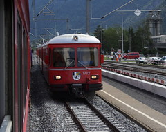 20070604 028 Ems Werk. RhB ABDt 1712 Leads Train 1555, 11.48 Chur-Thusis (15038) Tags: switzerland carriage trains railways rhb rhtischebahn 1712 rhaetianrailway viafierretica ferroviaretica abdt emswerk
