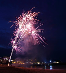 Fireworks 6 20160727 (Steve TB) Tags: fireworks broadstairs vikingbay jetty bleak house sea beach canon eos5dmarkiii