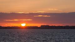 soleil couchant (Paul Millet) Tags: la baule france french seascape landscape sunset skyscape sky nuages cloud coucher de soleil mer sea atlantic canon eos 50d digital 2016 holidays