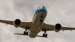 KLM 787-9 on final approach for runway 06 (Nicky Boogaard Photography) Tags: boeing airbus bombardier 737 767 a340 747 777 787 icelandair klm delta china cargo embrear 1klm 777200er final approach for runway e175 tui dreamliner transavia flybe atlasglobal holland amsterdam airport aviation