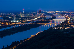 Photo-Night-Walk in Vienna (philipp.alexander.ernst) Tags: austria danube donau wien vienna blue skyline leopoldsberg kahlenberg bridge light reflection