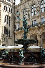 Hamburg Town Hall / Rathaus courtyard and fountain (mattk1979) Tags: hamburg germany town hall rathaus courtyard fountain statue