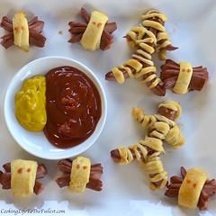 Mummy Dogs and Spidey Dogs (vegasstek) Tags: mummy dogs spidey mummydogs spideydogs hotdogs recipe cooking halloween halloweencooking foodporn hot appetizer halloweenappetizer