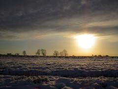 Winter Sun, Wymeswold (R-V-P) Tags: uk winter england sun snow leicestershire horizon farmland wymeswold