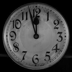 Tic toc (CA_Rotwang) Tags: white black clock alt historic schwarz uhr historisch weis