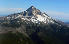 Dangerous Mount Hood. Опасная Гора Маунт Худ, Орегон. (komissarov_a) Tags: winter wild rescue sun mountain snow ski color broken sports nature beauty weather oregon danger training plane canon snowboarding dangerous team freestyle rocks skiing view or south extreme flight injury streetphotography lodge resort helicopter alpine mthood nationalguard 5d southside hip climber femur rgb adrenaline slope hogsback survivors timberline mark3 2015 дети солнце снег отель спуск сша экстрим горныелыжи курорт адреналин горнолыжный орегон фристайл ратрак профессионалы komissarova