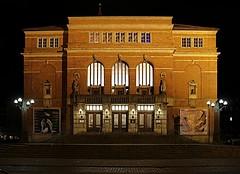 Opernhaus Kiel (www.plainpixel.com) Tags: night canon buildings lights nacht historic fjord operahouse kiel lichter holstein opernhaus schleswig frde historische kieler 60d shiftn gbeude