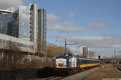 20150227 VR 203-3 + ICR, Sloterdijk (Bert Hollander) Tags: ass v100 ns type aba vr trein 2033 locomotief blauwwit icrm dloc volkerrail amsterdamsloterdijk 51920mthrp