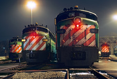 Aurora nights (Moffat Road) Tags: burlingtonnorthern bn emd e9 e9a 9900 commutertrain passengertrain cabunit coveredwagon night metra chicagometra aurora illinois train railroad locomotive eunit il