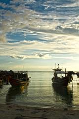 TALING NGAM     Koh Samui, Thailand (ernesto teruya) Tags: boat fishingboat thailand kohsamui